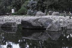 Pedras no lago Fotos de Stock Royalty Free