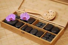 Pedras para a massagem foto de stock