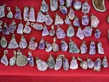 pedras preciosas minerais naturais como uma colar Fotos de Stock