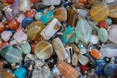 pedras preciosas minerais naturais como uma colar Imagens de Stock Royalty Free