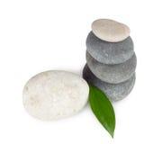 Pedras redondas do barco com folha Foto de Stock Royalty Free