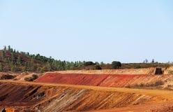 Pedras salientes da mina de cobre Imagens de Stock