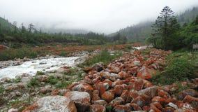 Pedras vermelhas praia, montagem Gongga Fotografia de Stock Royalty Free