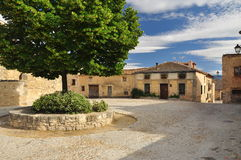Pedraza, Castilla, Spanje. Het vierkant van het dorp stock fotografie
