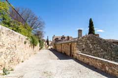 Pedraza, Castilla Y Leon, Spain: Calle de las cuestas. Pedraza is one of the best preserved medieval villages of Spain, not far from Segovia royalty free stock image