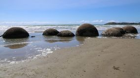 Pedregulhos de Moeraki vídeos de arquivo