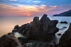 Pedregulhos em Hang Heo, lugar naturalmente sem tocar na baía de Nha Trang, Nha Trang, Khanh Hoa, Vietname fotos de stock