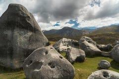 Pedregulhos gigantes nas montanhas, monte da pedra calcária do castelo, Nova Zelândia fotos de stock