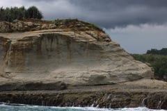 Pedregulhos na frente marítima foto de stock