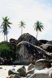 Pedregulhos na praia dos banhos Fotos de Stock