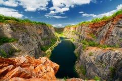 A pedreira de pedra chamou Grande América (Velka Amerika) perto de Praga, República Checa imagem de stock