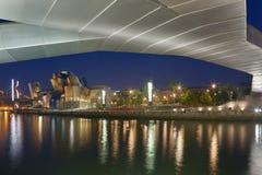 Pedro Arrupe人行桥和Guggenheim博物馆 图库摄影