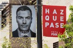 Pedro Sanchez som annonserar för det spanska riksdagsvalet 2019 royaltyfria foton