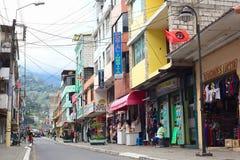 Pedro Vicente Maldonado Street in Banos, Ecuador stock foto's