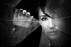 Peeking женщина Стоковая Фотография RF