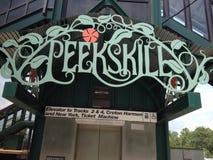 Peekskill, знак поезда метро Нью-Йорка северный Стоковое Изображение RF