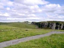 Peelbrant klippaområde på Hadrians väggbanan Royaltyfri Bild