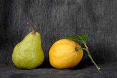 Peer en citroen stock afbeeldingen