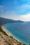 Pefkoulia海滩在莱夫卡斯州,希腊 免版税库存照片