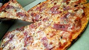 Pegare a pizza fotografia de stock royalty free