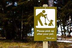 Pegare por favor após seu sinal do animal de estimação imagens de stock royalty free