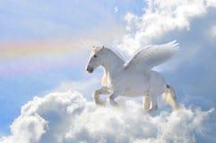 Pegasus in de wolken stock illustratie