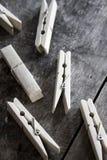 Pegs de roupa de madeira Foto de Stock