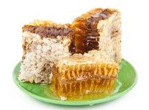 Peigne de miel d'un plat Images libres de droits