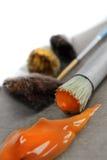 Peignez la goutte et le pinceau chiffonné Photo libre de droits