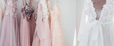 Peignoir degli abiti dei vestiti da sera del boutique di modo fotografia stock libera da diritti