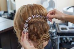 Peinado de la boda de la novia Imagen de archivo