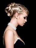 Peinado de la hembra de la manera Imagen de archivo