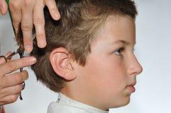 Peinado de los niños foto de archivo libre de regalías