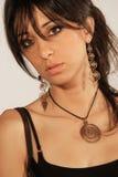Peinado encantador de los accesorios de la muchacha Foto de archivo libre de regalías