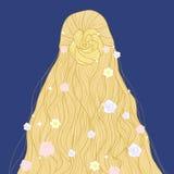 Peinado largo de hadas rubio con las flores Imagenes de archivo