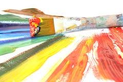 Peinture à l'huile et balai de couleur Images libres de droits