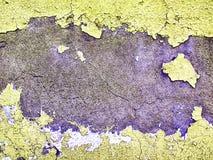 Peinture ébréchée en croûte usée et superficielle par les agents sur le ciment texturisé Photos stock