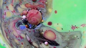 Peinture acrylique multicolore avec le modèle de marbre Peinture et bulles abstraites