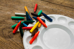 Peinture avec des crayons, ensemble de crayons, crayons de cire Photos stock