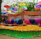 Peinture colorée de festival Parapluie de couleur image libre de droits