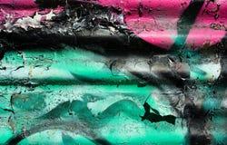 Peinture d'épluchage sur le fond de fer ondulé Photo stock