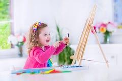 Peinture de petite fille image libre de droits