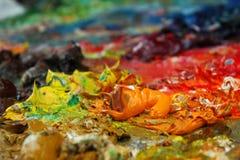 Peinture fraîche sur la palette? image stock