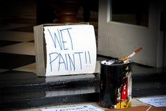Peinture humide au seuil Photographie stock libre de droits