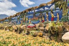 Peinture murale au temple bouddhiste d'Ulun Danu sur Bali image libre de droits