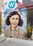 Peinture murale d'Anne Frank à Berlin Photo libre de droits