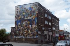 Peinture murale de carnaval de paix de Hackney, Dalston, Londres photo stock