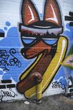 Peinture murale de hot-dog avec une tête de Fox capturée à Brooklyn, Etats-Unis photo libre de droits