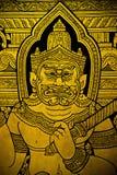 Peinture murale de Ramayana dans le temple thaïlandais Images stock