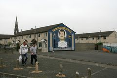 Peinture murale de William Bucky McCullough, Shankill inférieur, Belfast Image stock